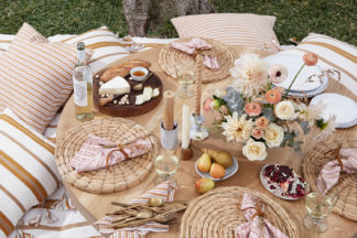 Outdoor Entertaining with Moon Canyon