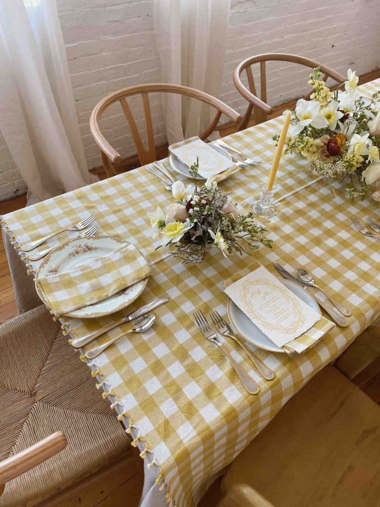 GINGHAM SUNFLOWER TABLECLOTH