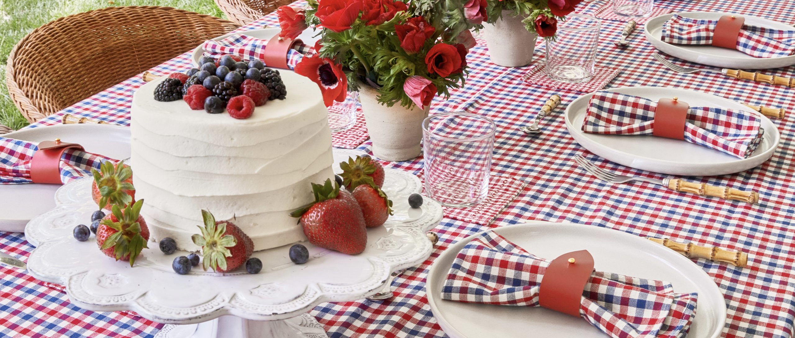 HTH Party Shop - Red White and Blue Liberty Tablescape