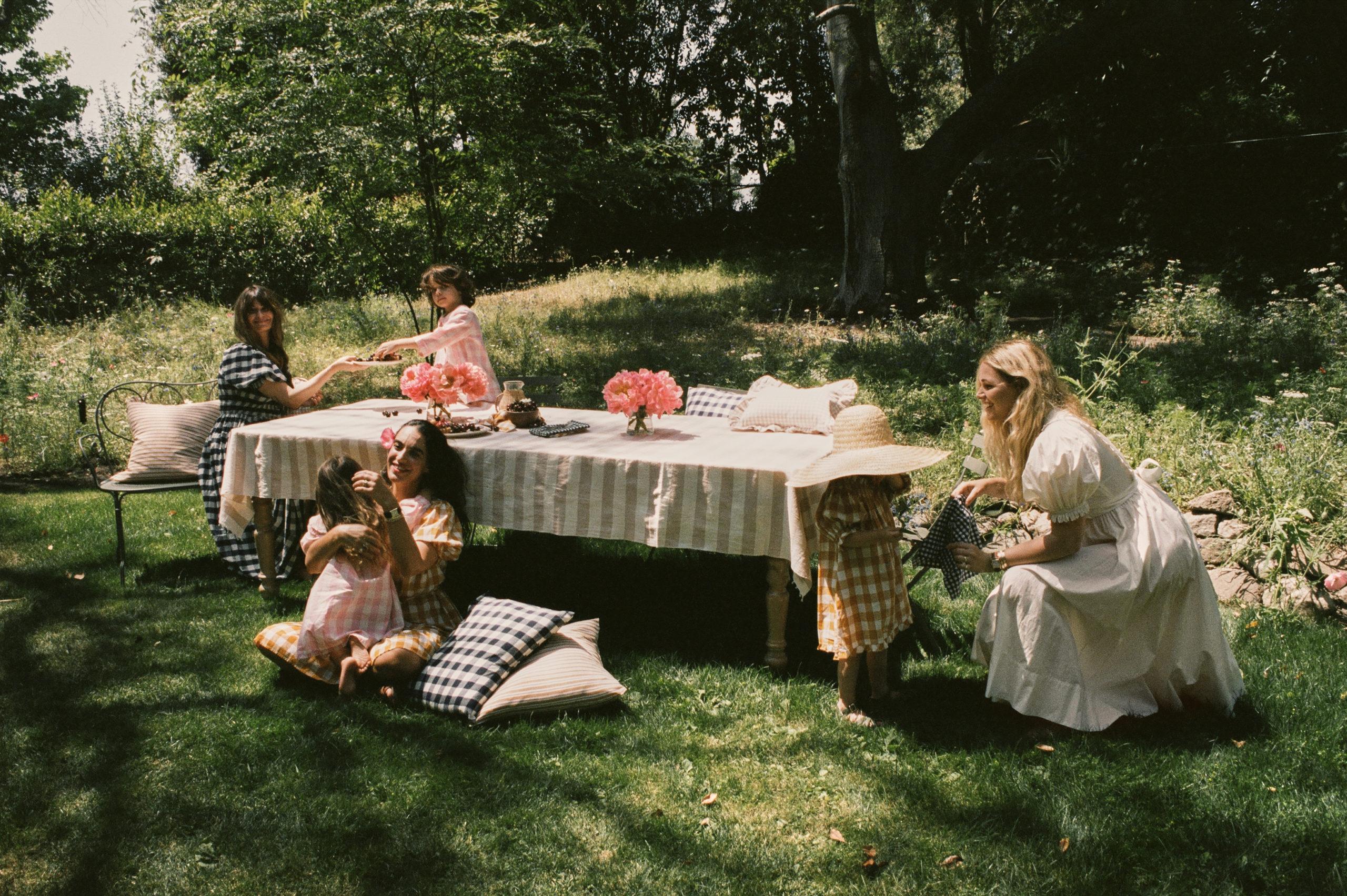 Doen Tablecloth pic